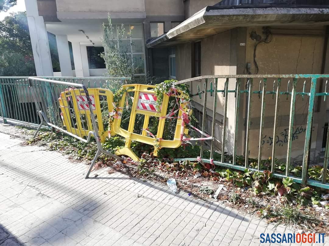 Sassari, ringhiera pericolosa nella scuola materna di piazza Sacro Cuore - Sassari Oggi