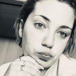Trovata morta in casa a Sassari a 26 anni, la notizia sconvolge anche Budoni