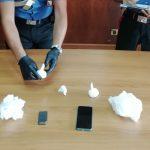 Trovato con mezzo etto di cocaina e 15mila euro in contanti: arrestato un 40enne a Usini