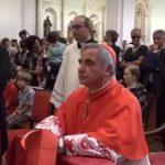Papa Francesco fa dimettere il cardinale Becciu, via dalla Congregazione dei Santi