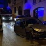 Scontro frontale tra auto nel centro di Sorso, intervengono i soccorsi