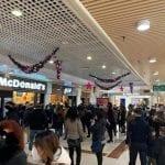 Centro commerciale pieno a Sassari, scoppia la polemica