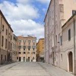 Spostamenti vietati e bar chiusi: cosa cambia ora in Sardegna con la zona arancione
